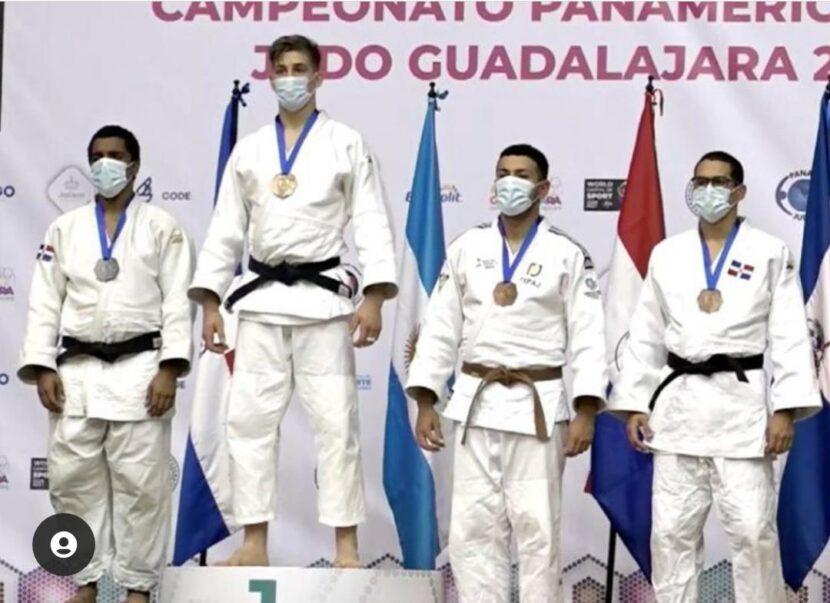El dominicano Marcos Marte; Mariano Coto Bersier, de Argentina; Ángel Antonio Gini, de Paraguay, y el quisqueyano Axel del Castillo.